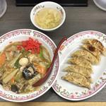 餃子の王将 - 中華飯+餃子1人前(6個)、計733円(税込)