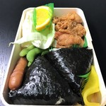 むすび むさし - 若鶏むすび お米がふっくらで美味しい(^^♪