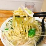 113038597 - タンメン、麺アップ