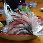居魚屋 網元 - マサバの刺身