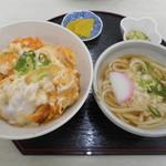 たっちゃん食堂 - カツ丼 700円 ミニうどん150円