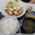 たっちゃん食堂 - チキン南蛮定食 750円