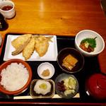 京ばし松輪 - アジフライ定食1,300円、海鮮漬け300円、汐辛100円