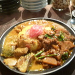 113054778 - 三種盛りぶっかけ(野菜カレー、さば味噌コルマ、シマチョー)