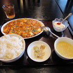 中華料理 虎哲 - 今週のランチメニュー 麻婆豆腐(四川マーボ) 850円