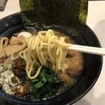 ゴル麺。 - 中太麺