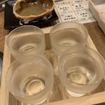 炉端 小次郎 - 純米大吟醸飲み比べ       (獺祭 四割五分、雁木 鶺鴒、久保田、雁木 夕凪)