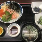 赤坂 三河家 - 蟹丼 1000円