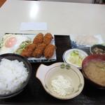 旬鮮厨房三浦や - カキフライ定食 683円