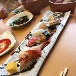 Hyoutanzushi - ゴージャスランチ 握り寿司