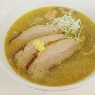 眞麺 穂高 - 料理写真:みそ、チャーシュー2枚