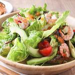 海鮮とアボガドのサラダ
