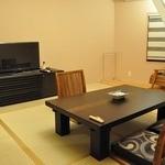くつろぎの宿 丸善 - 2011年7月15日リニューアル 客室  ベッド付の和洋折衷の禁煙室もあるそうです。