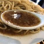 烈士洵名 - 岡村二郎@800円 麺大盛り+160円 味玉+100円 魚粉+50円のスープ