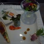 ラ・マルシェ - 料理写真:素敵に盛り付けられた前菜