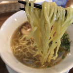 中華バルSAISAI。 - 麺リフト       こちらの麺は名古屋の業者からお取り寄せの麺、       サンダー麺、ウイング麺は京都の鄭鄂からお取り寄せ。