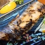 まるいち食堂 - 太刀魚の焼き。