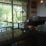 FLORE CAFĒ  - 店内