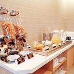 ロング テーブル - 【ランチバイキング】デザート・ドリンクコーナー