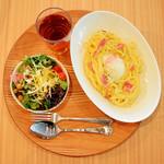 ロング テーブル - 【お食事セット】スパゲティ(カルボナーラ+温泉卵)