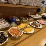 HOTEL AZ - 料理写真:朝食バイキング