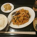 猪八戒 - 料理写真:豚肉、ほうれん草、キクラゲの辛子炒め