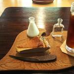 古民家カフェ鍵屋 - ケーキセット(アイス珈琲&甘夏チーズケーキ)756円