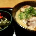 ラーメン工房 はっぴ - チャーシュー麺とミニ丼のセットのup