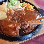 レストラン コロナ - ハンバーグの肉汁