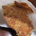 揚匠 しげ盛 - 料理写真:せんべい並にパリパリの皮