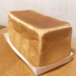 113137178 - 角食パン  972円 (税込)