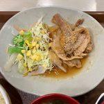 すき家 - 豚生姜焼き朝食 ¥400 の豚生姜焼き