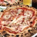 ピザ工房 - ホエー豚のガーリックベーコン