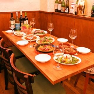 テーブル席4名様×3席 2名様×2席