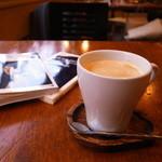 シンジュク ハウス - ホットコーヒー (ランチセットに料金含む)