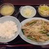 順香 - 料理写真:豚ホルモン、ニラレバー、もやしの醤油炒め