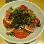 UMEHA - 【旬菜】旬菜と鴨、海ぶどうのサラダ