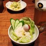 串焼 文福 - 生ビールとサラダ