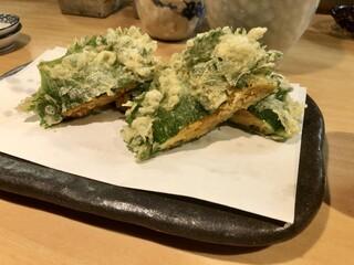 石臼挽き手打 蕎楽亭 - 雲丹と大葉の天ぷら