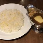 ガヴィアル - ビーフカレー チーズトッピング