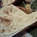 インド料理 レカリ - 大きすぎてカメラに収まらず