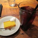 113192164 - デザートとアイスコーヒー