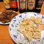 章記点心 - 手工幹腸 (原味)と猪肉大葱水餃