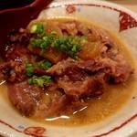 串と煮込みの元祖居酒屋 個室 門限やぶり - 牛スジ煮込み