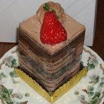 パティスリーヤナギムラ - 唯一、名称の分かりましたケーキ、ショコラシャンデルです。