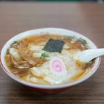 食堂 多万里 - 料理写真:ワンタンメン800円