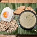 Asian Cafe & Diner Vivid Ajia - ガパオライス&グリーンカレーコンビプレート