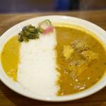 カレー&オリエンタルバル 桃の実 - 料理写真:チキンカレー+セット150円