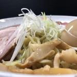 自家製麺 結び  - 正面縁