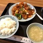 龍門 - 料理写真:酢豚(大) 972円+ライス 162円